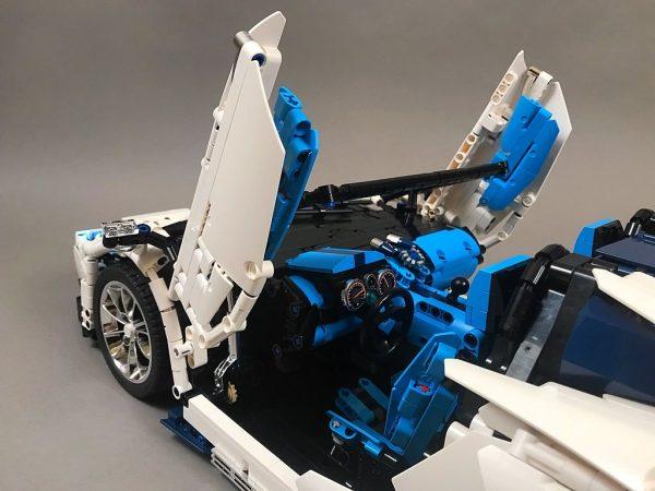 ZHEGAO QL0430 Lamborghini Aventador SVJ Roadster 1:8 3