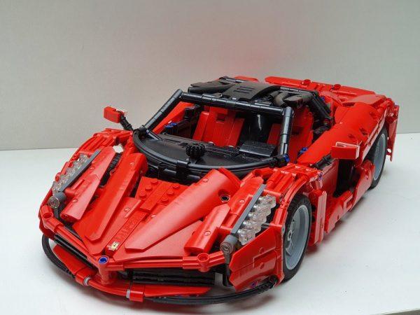 ZHEGAO QL0417 Ferrari Ferrari 1:10 1