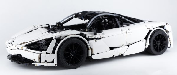 ZHEGAO QL0423 McLaren 720S 1:8 2