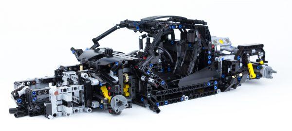 ZHEGAO QL0423 McLaren 720S 1:8 3